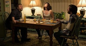 "Suspenso e intriga en ""10 Cloverfield Lane"" (Tráiler)"